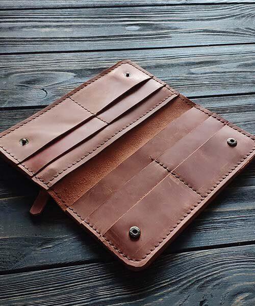 Класичне шкіряне портмоне ручної роботи в світло коричневому кольорі, з індивідуальним гравіруванням фото або зображення2