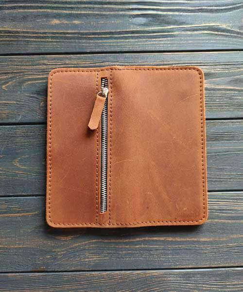 Класичне шкіряне портмоне ручної роботи в світло коричневому кольорі, з індивідуальним гравіруванням фото або зображення4
