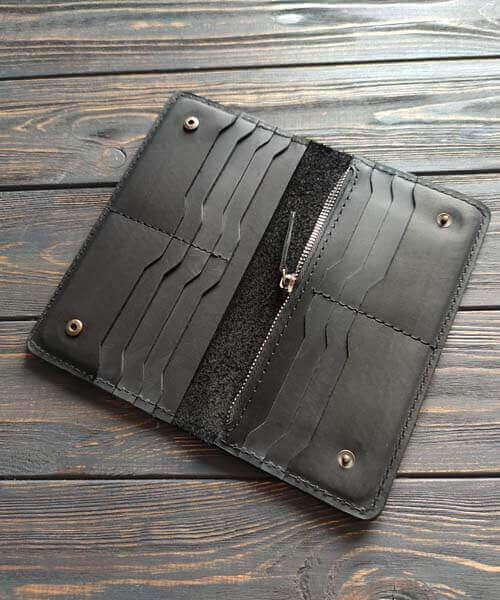 Шкіряний клатч maxi в чорному кольорі з гравіруванням2