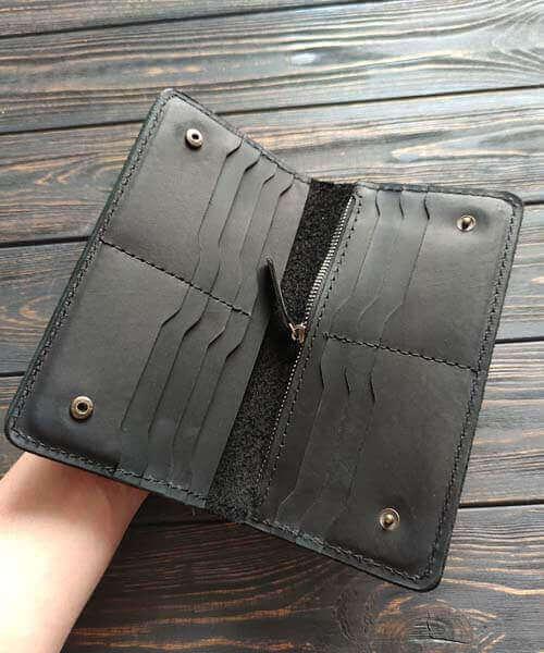 Шкіряний клатч maxi в чорному кольорі з гравіруванням3
