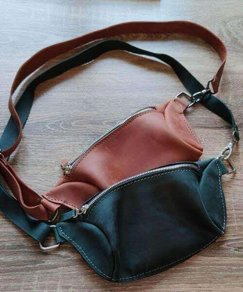 Світло коричнева сумка бананка з нанесенням індивідуального гравірування та регульваним ремінцем2