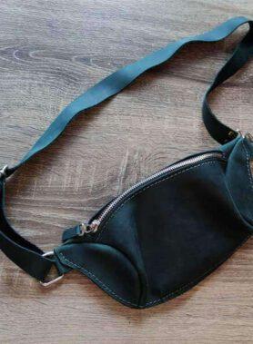 Зелена сумка бананка з шкіри crazy horse та з нанесенням іднивідуального гравірування по фото, лого, тексту