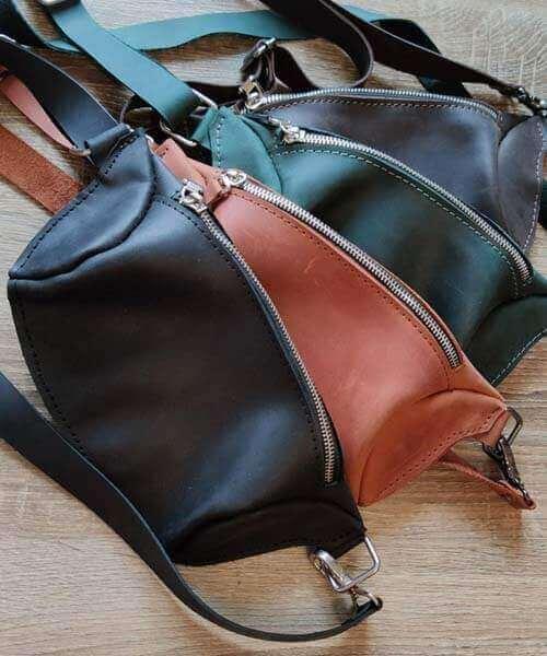 Зелена сумка бананка з шкіри crazy horse та з нанесенням іднивідуального гравірування по фото, лого, тексту3